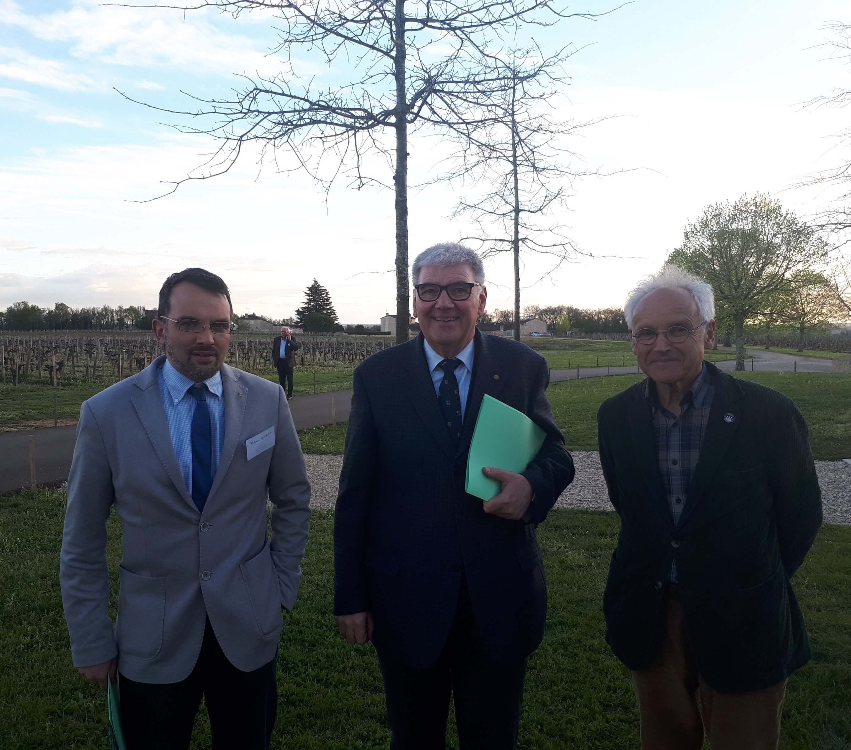 De g à d : Andréa Terraneo, Francesco Bonfio et Yves Legrand (Président du SCP)